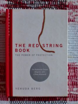 The Red String Book – the Power of Protection